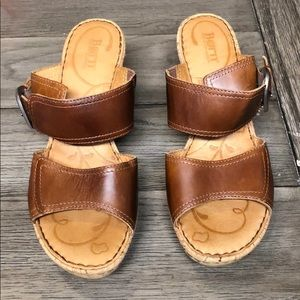 ⭐️Born brown leather sandals size 9